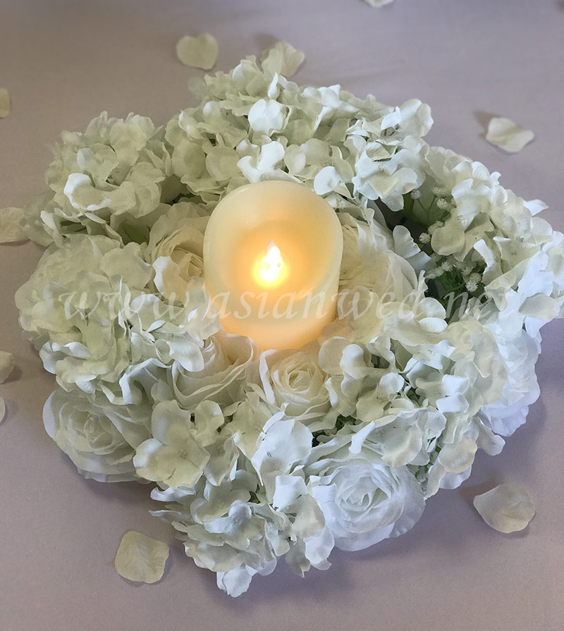 Floral-Round-Wreath-with-Candle