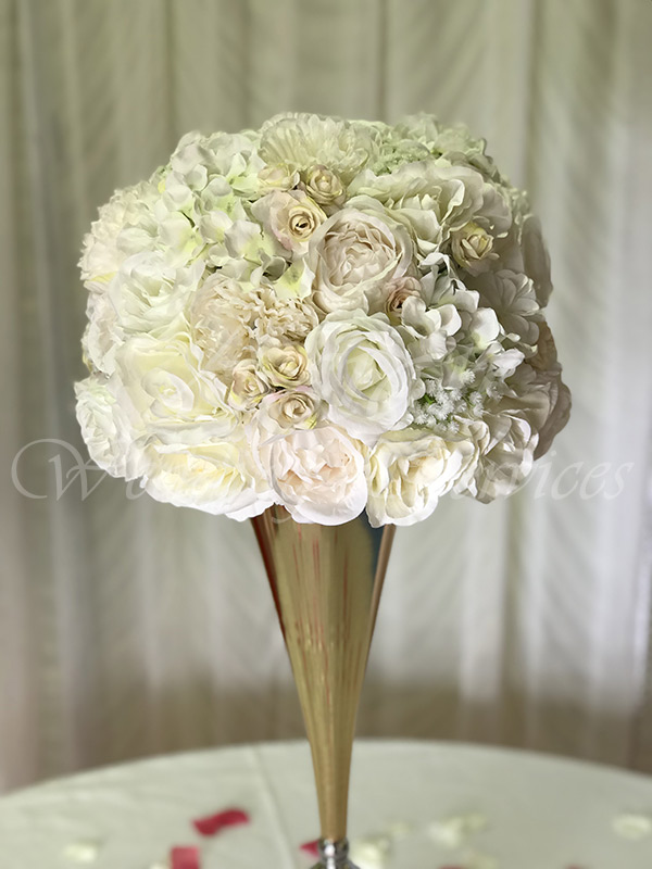 Gold-Vase-with-Ivory,-White-&-Light-Pink-Flower-Ball
